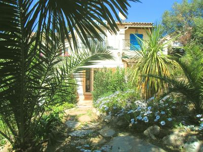 Photo for Studio with garden for 2 persons. Cheap accommodation on the Gulf of St Tropez.
