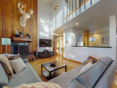 Photo for NEW LISTING! Modern condo w/shared pool, wood fireplace-close to ski slopes