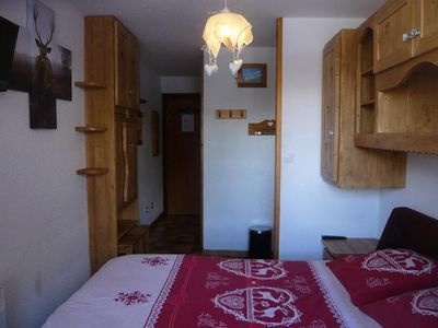 Photo for Surface area : about 14 m². Hall with shower room, WC. Living area with bed-settee, chairs, table