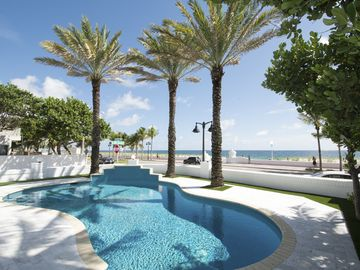 Las Olas by the Sea, Fort Lauderdale, FL, USA