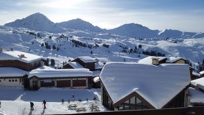 Photo for Belle Plagne, 2 rooms, at the foot of the slopes, south-facing balcony