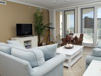 What a dream! Loved this condo! Great location!!