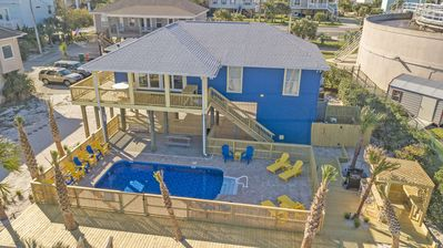 Photo for Completely remodeled 4 bedroom Sound Front Home w/ private pool and tiki bar!