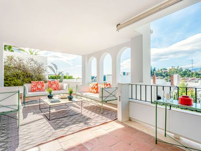 Photo for Amazing apartament in Benahavis with terrace and pool. La Quinta Golf