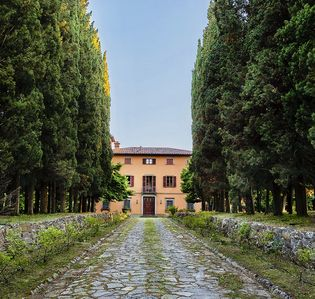 Photo for Baron's villa with park and pool in the border of Toscana and Umbria