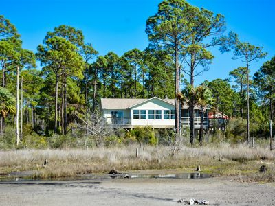Photo for 3 Bedroom, 2 Bath, Bay front, Great Views, Sun Room, Pet Friendly!!!