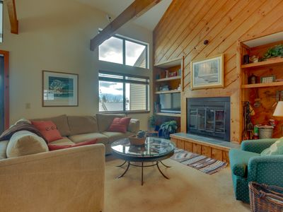Photo for Ski-in/ski-out home w/ seasonal pool, sauna, perfect for large families!