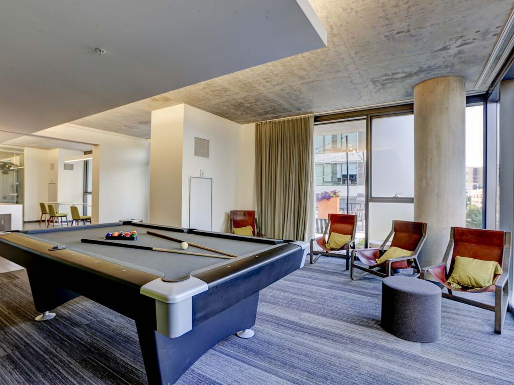 Spacious South Loop Condo with Rooftop Deck and Great Location