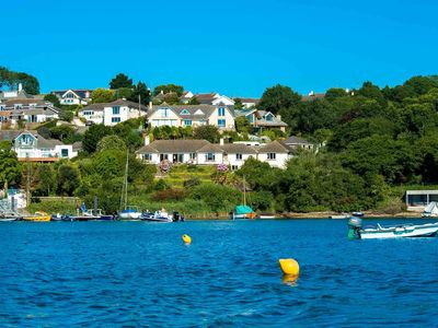 Photo for Seagulls has delightful uninterrupted views over the Percuil River & Froe Creek in St Mawes