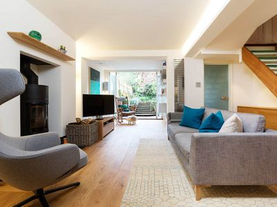 Photo for Colourful 4 bed home located in trendy Islington (Veeve)
