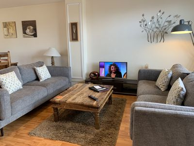 Photo for Superb apartment in Windsor with Balcony & free parking