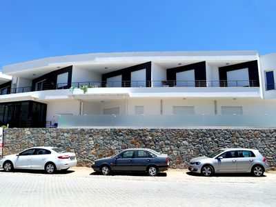 Photo for Luxury self catering 2 bedroom holiday apartment with communal swimming pool.