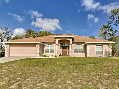 Photo for Bright Spring Hill Home - 10 Mins to Weeki Wachee!
