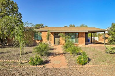 This vacation rental home in Tucson is calling your name!