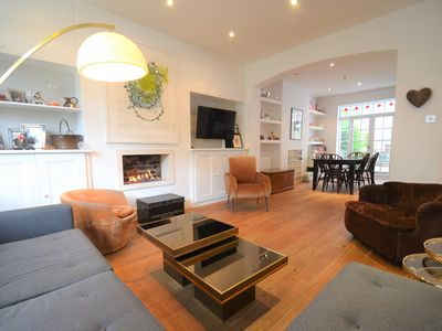 Photo for Beautiful Family-Friendly Home in London! (Zone 2)