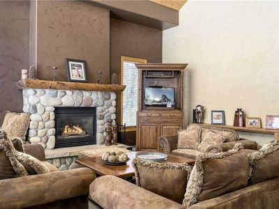 Photo for Spacious bright retreat with mountain views and shared pool/hot tub