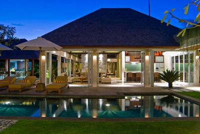 2 BR stay at 5 BR Private Pool Villa