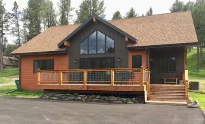 Photo for New Modern Lodge! Central Black Hills, 4 bdrms/2 baths - 10 min. to Mt. Rushmore