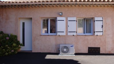Photo for T2 nice very, very clean, near the center village shops