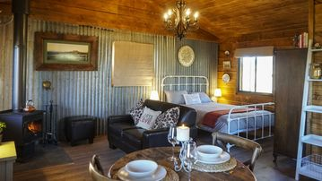 Jessies Cabin - romantic rural getaway