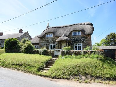 Photo for Grade II listed character thatched cottage Shorwell IOW - family friendly garden