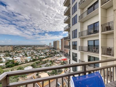 Photo for Family-friendly condo on the 13th floor w/shared pool and hot tub - great views!