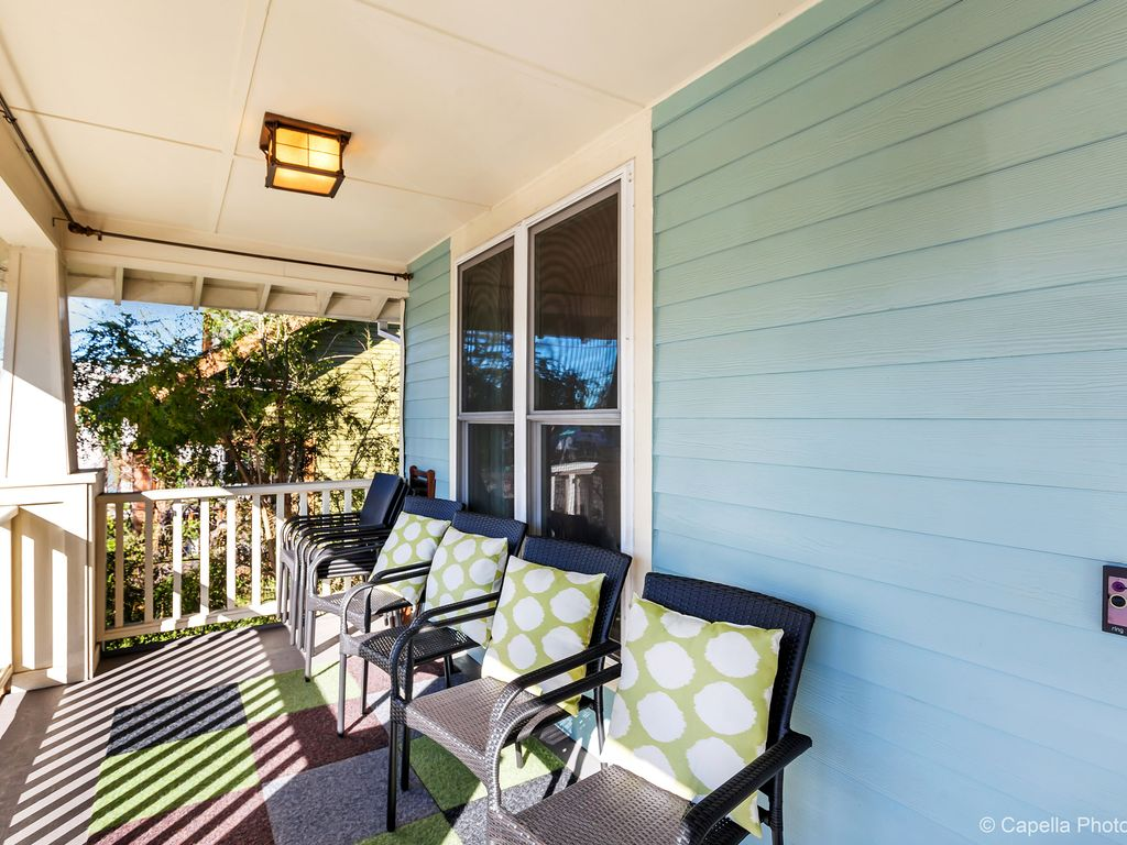 Well Equipped & Perfect for Groups! Walkabl... - VRBO