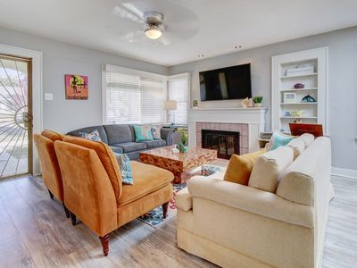 Photo for Beach bungalow with deck, full kitchen & backyard - dog-friendly!