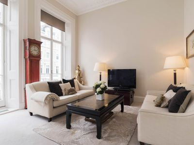 Photo for ASTONISHING Traditionnal British Style 3BR Flat  by LOVELYDAYS