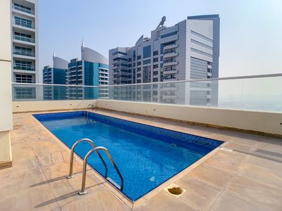Photo for Amazing Suite With Rooftop Pool And Fitness