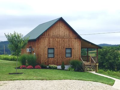 Romantic getaway in Southeastern Ohio.  Family and pet friendly.