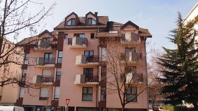 Photo for Studio with Balcony Mountain View 3min Lake. Close to shops and transportation