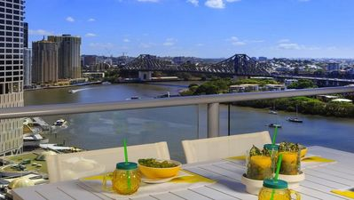 Photo for Ease at Felix Stunning Story Bridge river view 2bdr CBD apartment with parking