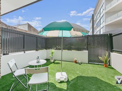Photo for Metro Vintage 2 Bed Townhouse | 10mins to SYD CBD