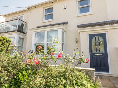 Photo for 1 ORCHARD COTTAGES, pet friendly in Salcombe, Ref 999128