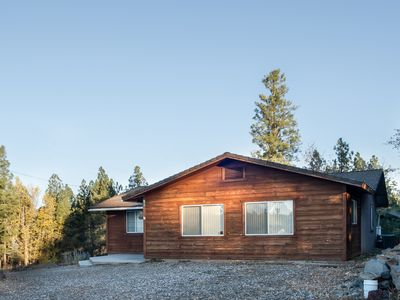 Spacious Cabin in the Pines