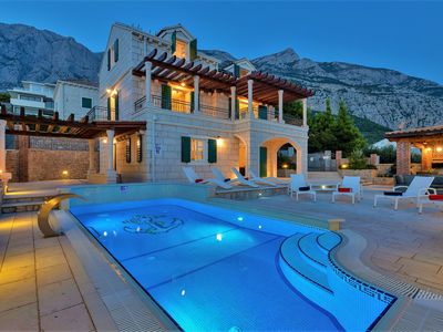 Photo for Villa Vikki with pools, indoor and outdoor