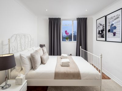 Photo for NEW! Unique, Stylish Apartment 2min from Hyde Park