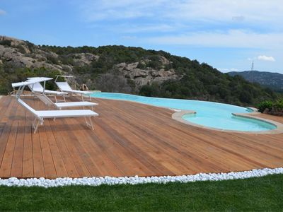 Photo for Villa with infinity pool and mountain views