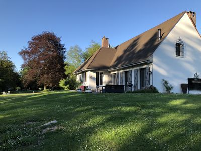 Photo for Family house 14 pers. in a private domain of 10 hectares, 1 hour from Paris