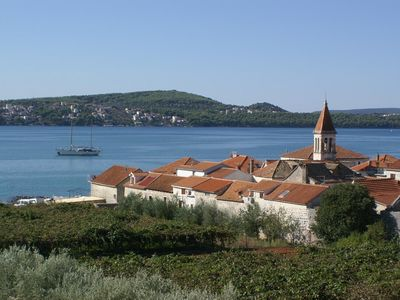 Photo for Two bedroom apartment with terrace and sea view Seget Donji (Trogir)