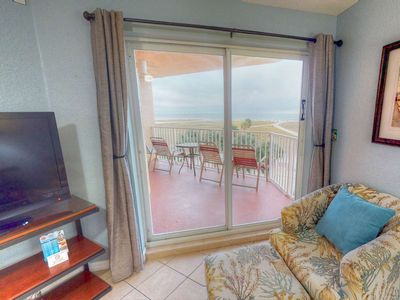 Photo for Beachfront Private Balcony Views. Great Location. Heated Pool and Hot Tub.