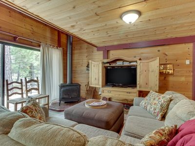 Photo for NEW LISTING! Cozy Sunriver cabin w/SHARC passes, shared pools/hot tub