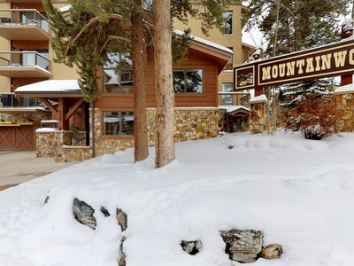 Photo for Cozy & comfortable condo w/shared hot tubs & pool - walk to lifts & Main Street!