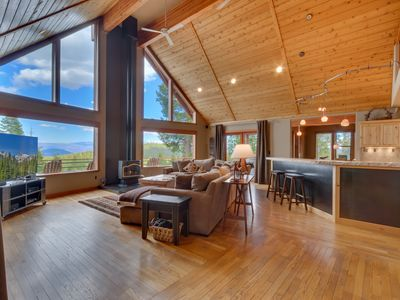 Photo for Falcon Point - Pet-friendly Tahoe Donner 3BR with Amazing Mountain Views!