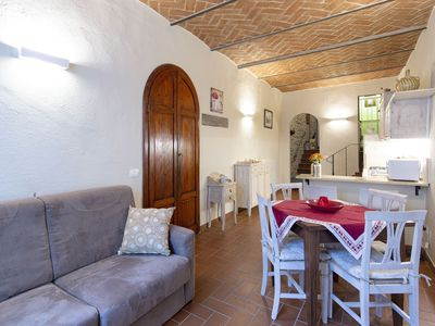 Photo for Beautiful apartment for 4 guests with WIFI, TV and pets allowed