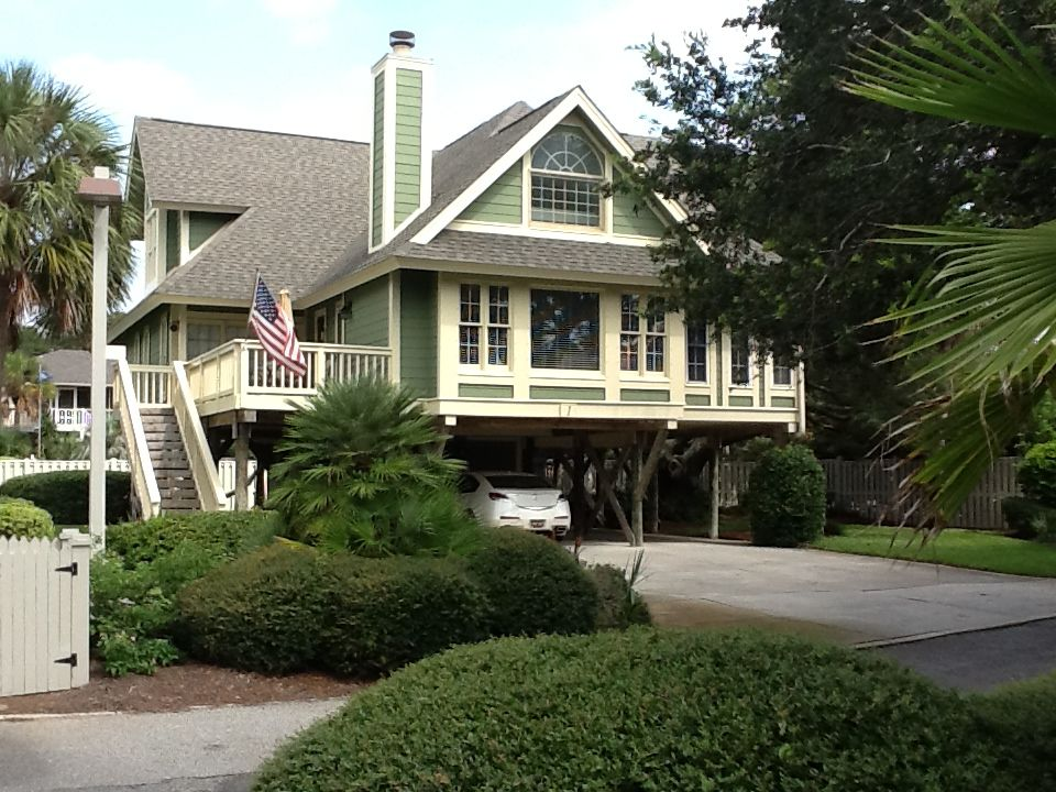 isle of palms steps from the beach  great f