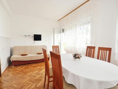 Photo for Two bedroom apartment with balcony and sea view Sumpetar (Omiš)
