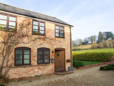 Photo for BLUEBELL COTTAGE, family friendly in Newnham-On-Severn, Ref 903742