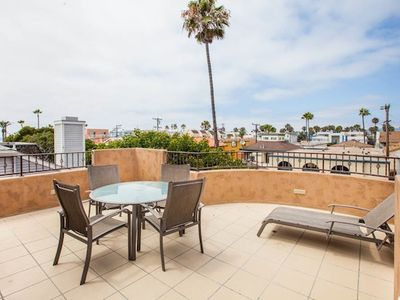 Dover Townhouse by 710 Vacation Rentals | 3rd Flr Sun Deck, Steps to Sand!